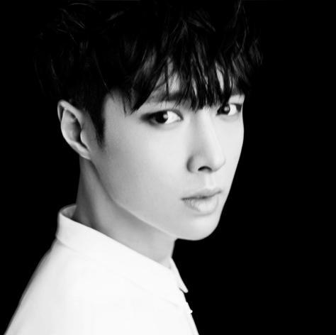 140415-lay-exo-new-teaser-picture-for-overdose